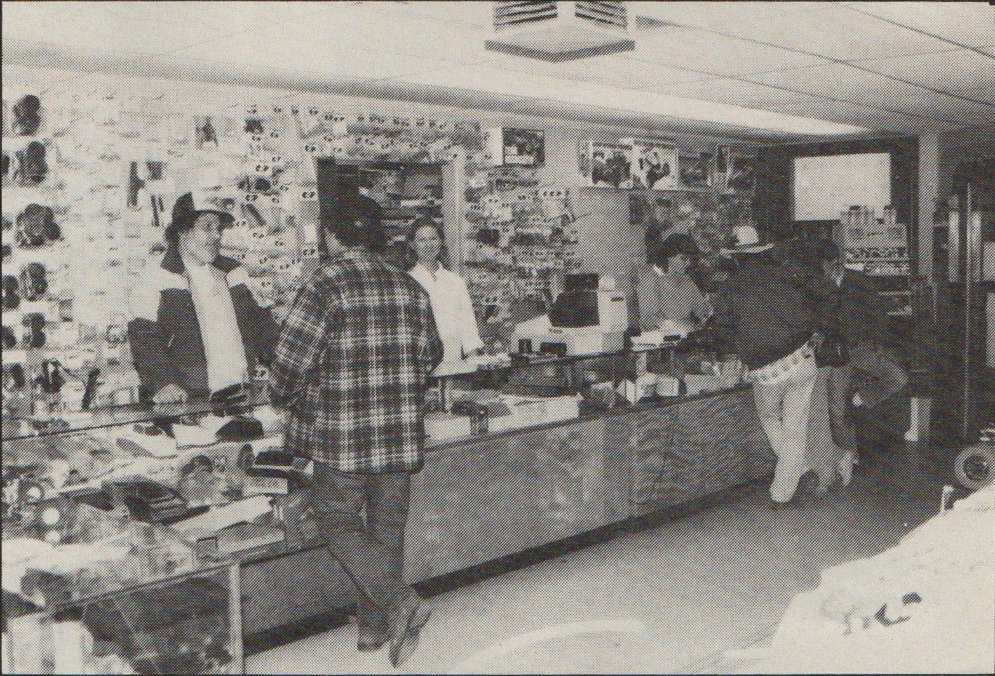 Hobby Store San Diego >> Pictures of the Ranch Pit Shop? - R/C Tech Forums