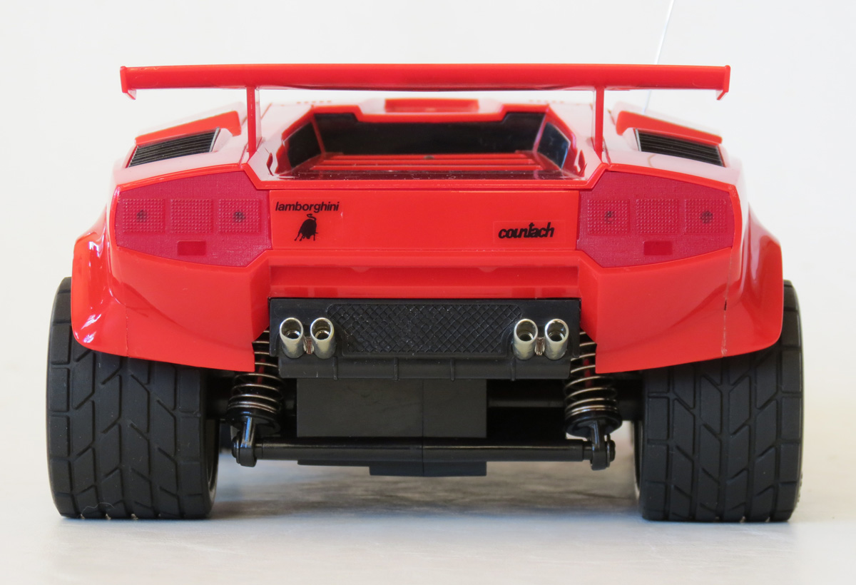 Lamborghini countach rear tire size